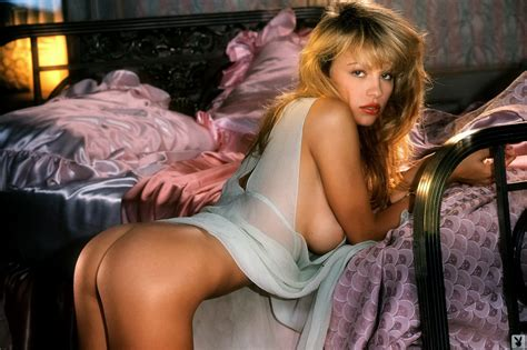 15 pictures of young pamela anderson ranker jpg 1600x1066